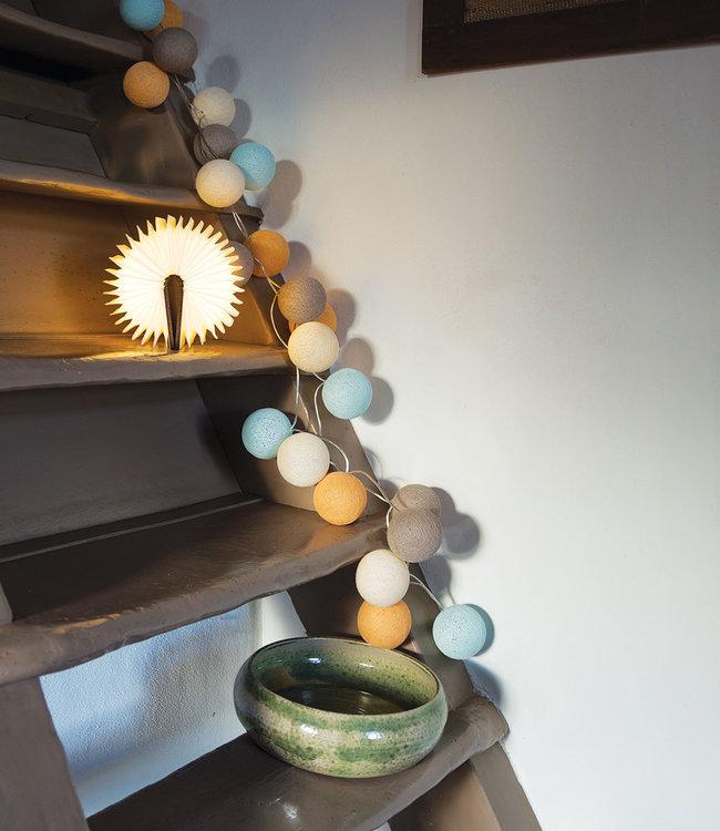 LEDR Inspiration | Wohnzimmer | Book Lamp Beach String Light