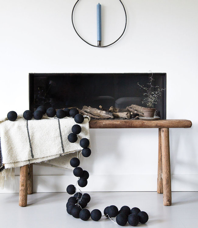 COTTON BALL LIGHTS Inspiratie | Woonkamer | Regular Black Lichtslinger 3