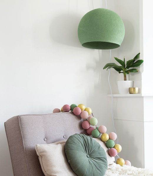 COTTON BALL LIGHTS Inspiration | Wohnzimmer | Sage Green Three Quarter Hanging Lamp Mix & Match String Light