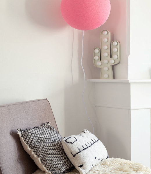 COTTON BALL LIGHTS Inspiration | Bedroom | Soft Pink Wandering Lamp