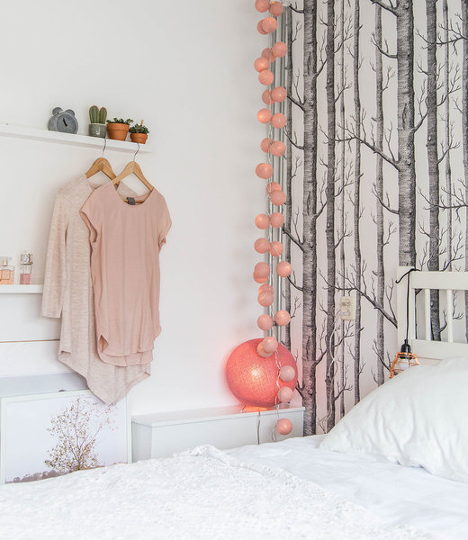COTTON BALL LIGHTS Inspiratie | Slaapkamer | Mix & Match Pale Pink Standing Lamp Dirty Rose
