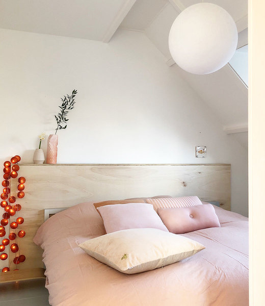 COTTON BALL LIGHTS Inspiration | Bedroom | Mix & Match Red Copper Hanging Lamp White