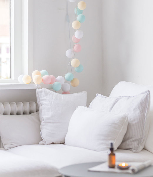 COTTON BALL LIGHTS Inspiratie | Slaapkamer | Regular Pastel Lichtslinger