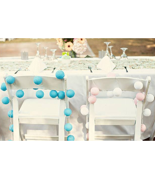 COTTON BALL LIGHTS Inspiratie   Feest   Mix & Match Lichtslinger Blue Pink Wedding