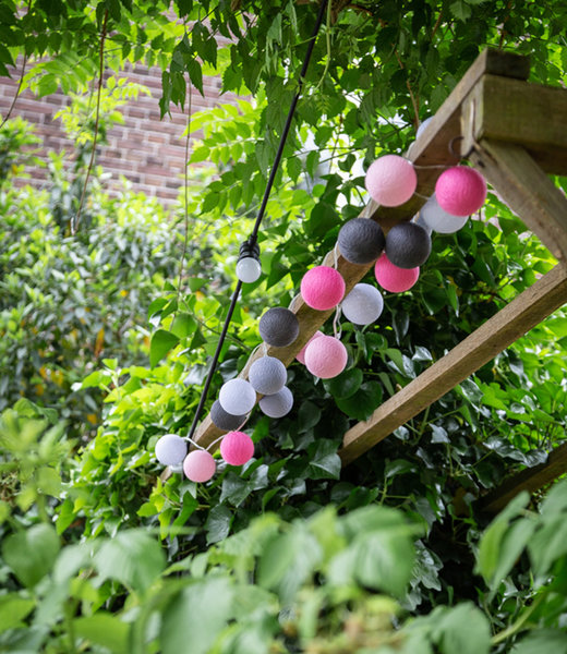COTTON BALL LIGHTS Inspiration | Garten | Outdoor Cottonball String Light Rosa 2