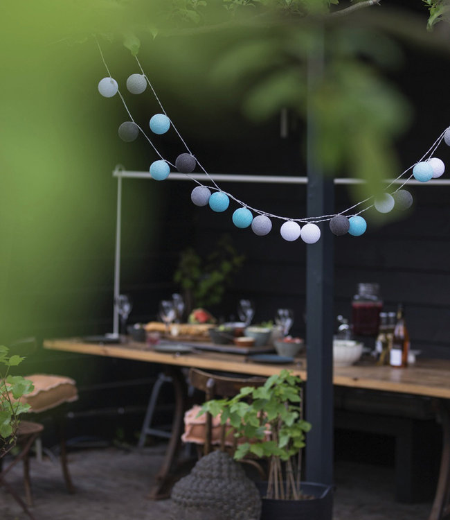 COTTON BALL LIGHTS Inspiratie | Tuin | Outdoor Cottonball Lichtslinger Turquesa