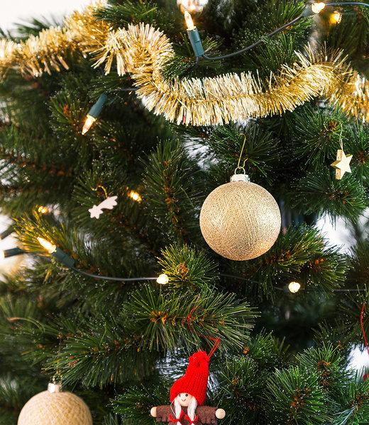 COTTON BALL LIGHTS Inspiratie   Kerst   Sparkling Full Gold Christmas Cotton Ball