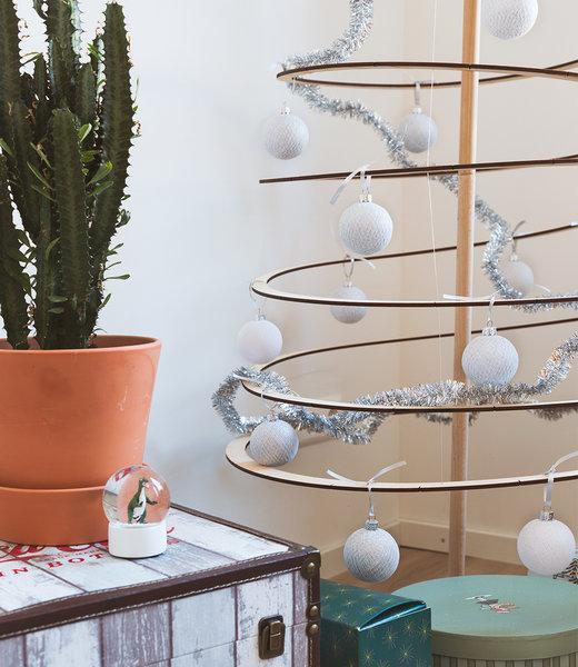COTTON BALL LIGHTS Inspiratie | Kerst | Sparkling White Silver Christmas Cotton Ball 2