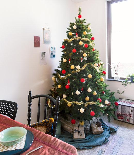 COTTON BALL LIGHTS Inspiration | Christmas | Red Christmas Cotton Ball