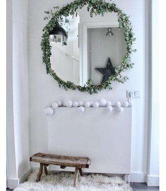 COTTON BALL LIGHTS Inspiratie | Kerst | Premium Lichtslinger Pure Whites (@wonen_bij_chantal)