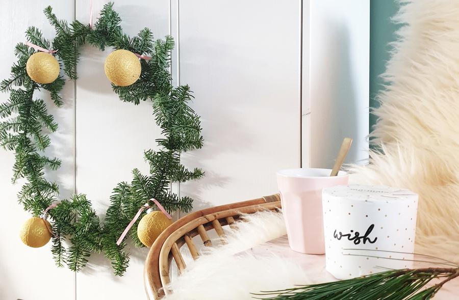 DIY Krans met Kerstmis Cotton Ball Lights van @mijnhuisje_
