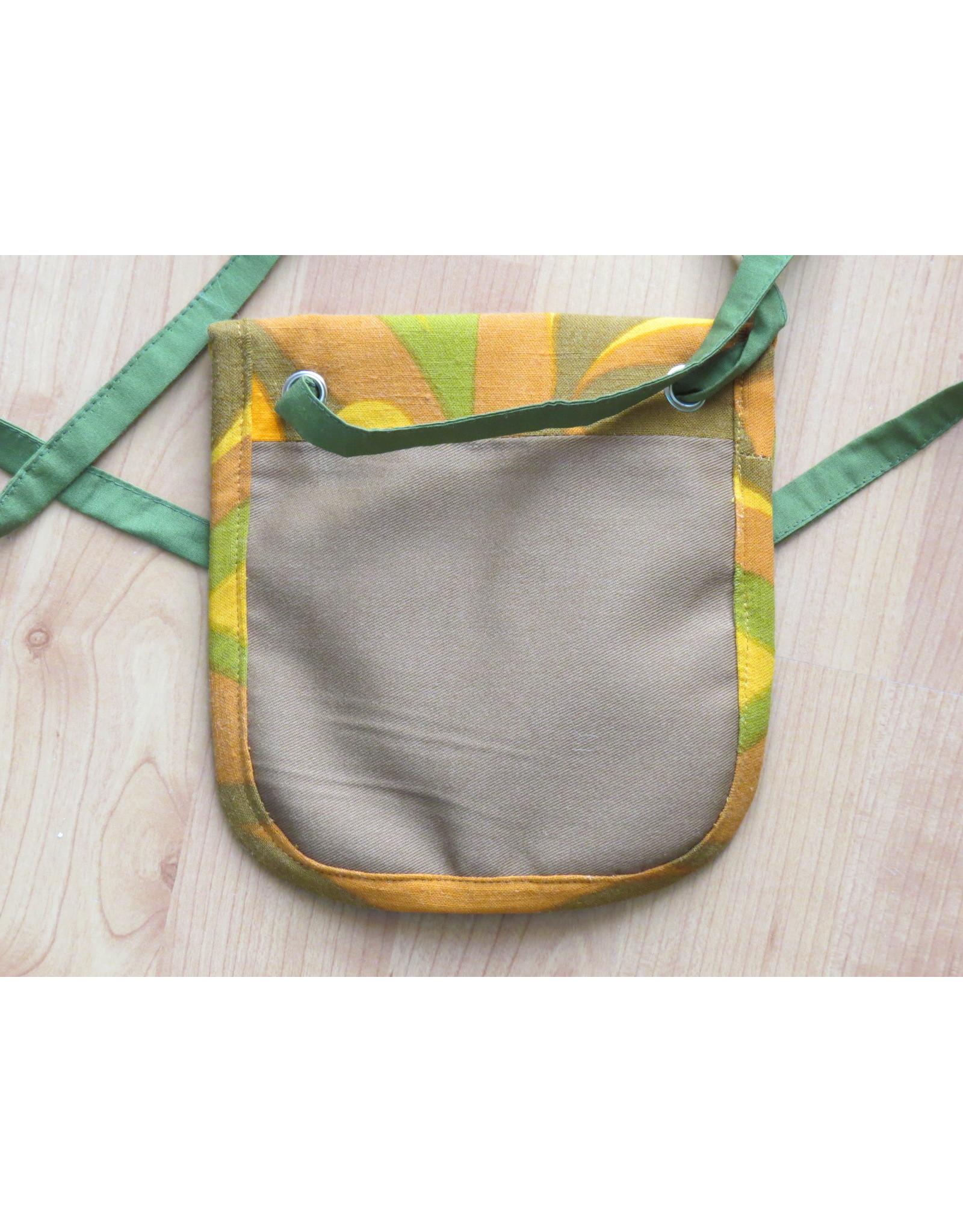 Huisteil Small shoulder bag - yellow retro print
