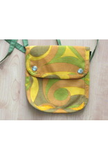 Huisteil Small shoulder bag - yellow retro print