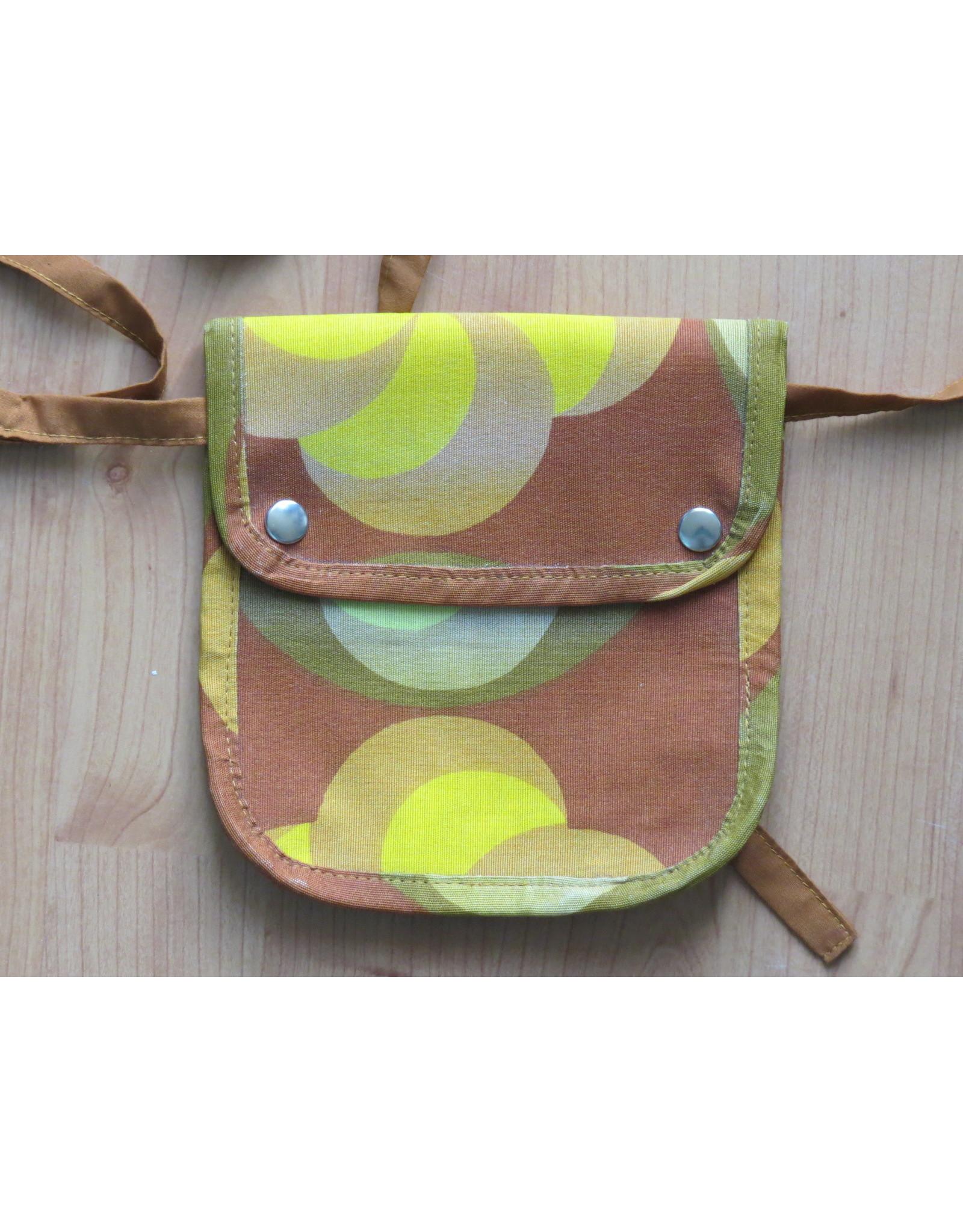 Huisteil Small shoulder bag - retro print