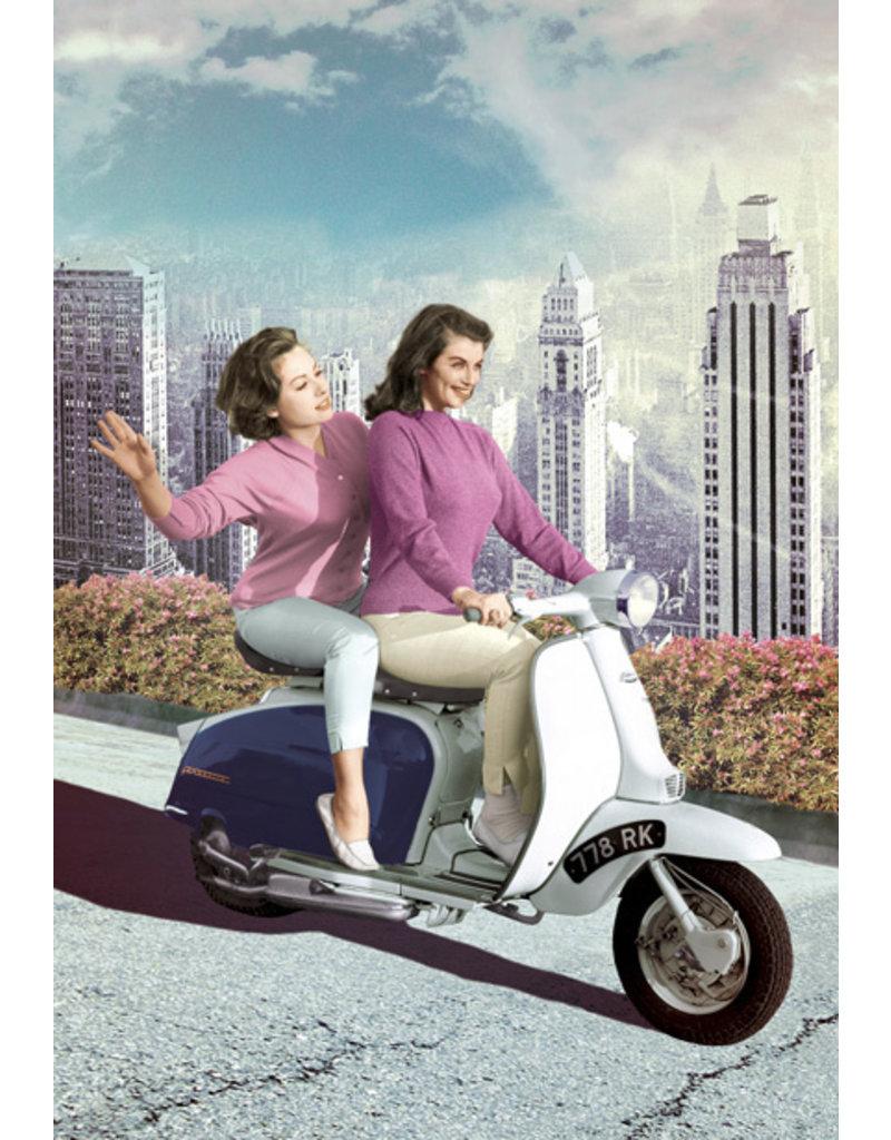 Ansichtkaart - Scooter girls