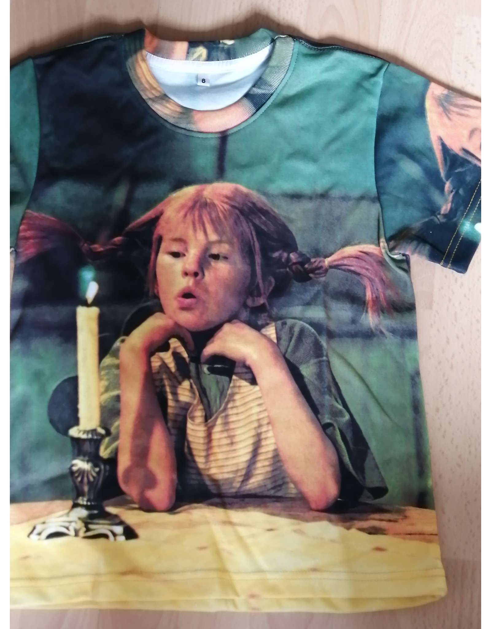 Pippi Langkous Children's tshirt - Pippi pondering