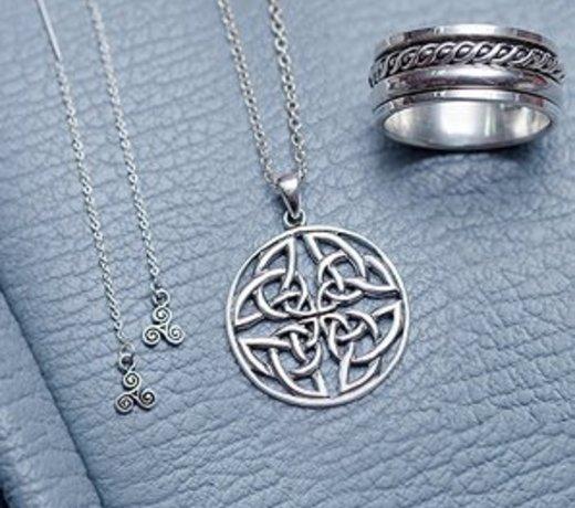 Zilveren keltische sieraden