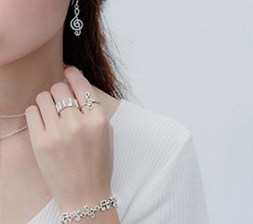 Zilveren muziek sieraden