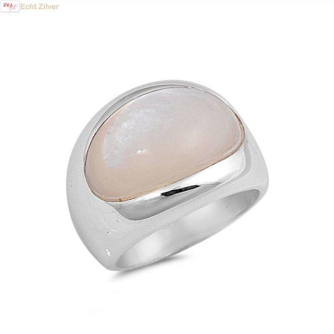 Zilveren ring met ovale parelmoer mother of pearl steen