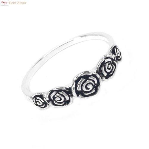 ZilverVoorJou Zilveren ring met 5 roosjes