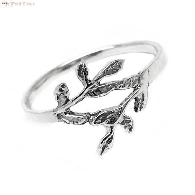 Zilveren ring met takje