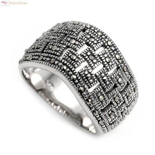ZilverVoorJou Zilveren golvend strak design marcasiet ring