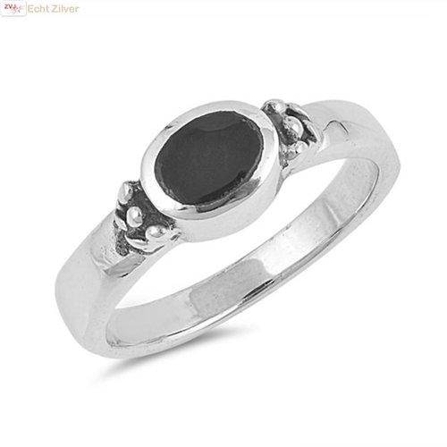 ZilverVoorJou Zilveren sierlijke ovale zwarte onyx steen ring