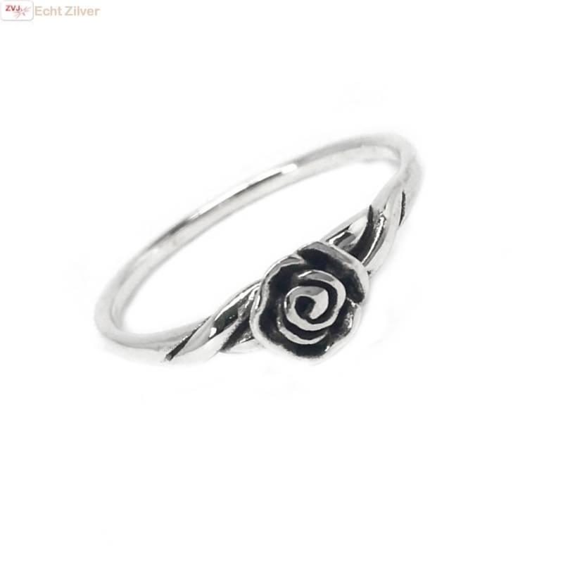Zilveren ring met een roosje-1