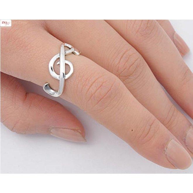Zilveren vioolsleutel muzieknoot ring