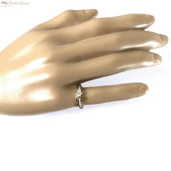 Zilveren smalle infinity witte opaal ring