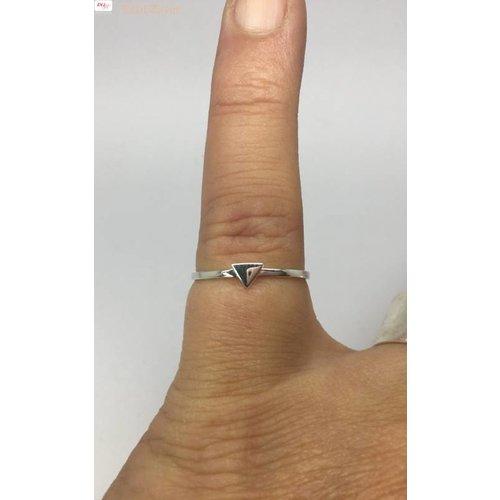 ZilverVoorJou Zilveren smalle triangel driehoek ring