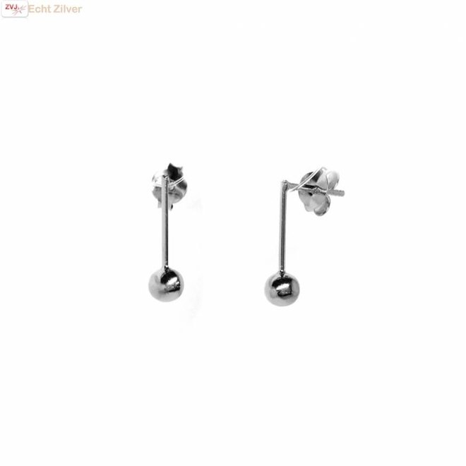 Zilveren kleine staaf bal oorstekers
