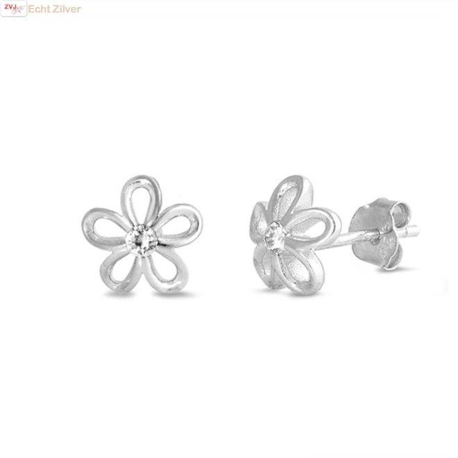 Zilveren bloem witte zirkoon oorbellen