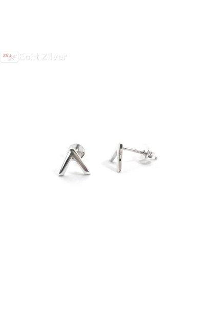 Zilveren kleine v punt Chevron oorstekers