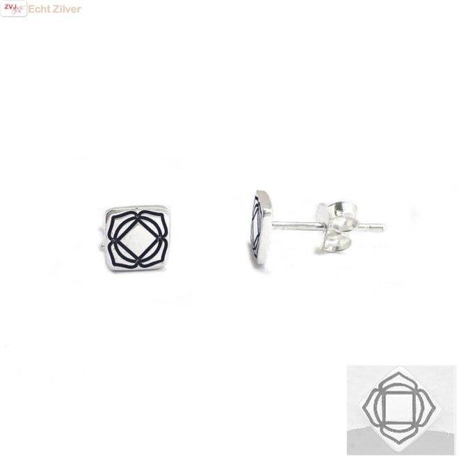 Zilveren ronde oorstekers wortel  of root chakra