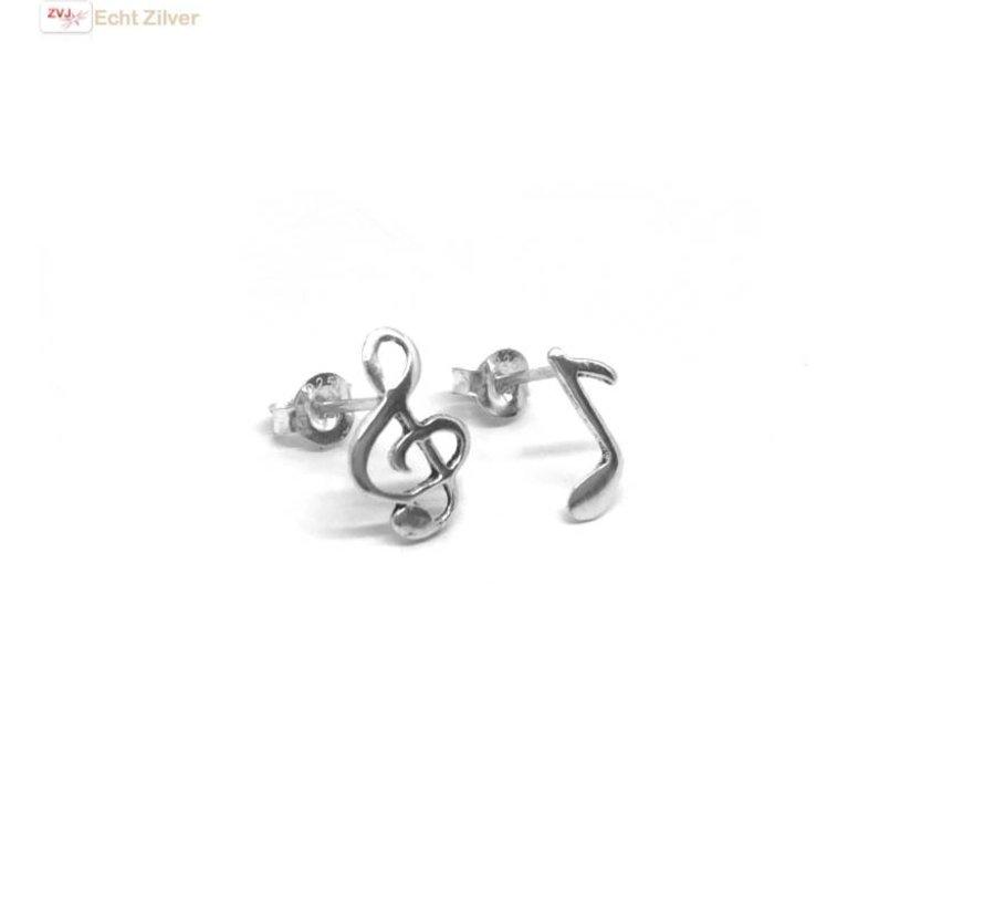 Zilveren muzieknoot vioolsleutel oorbellen