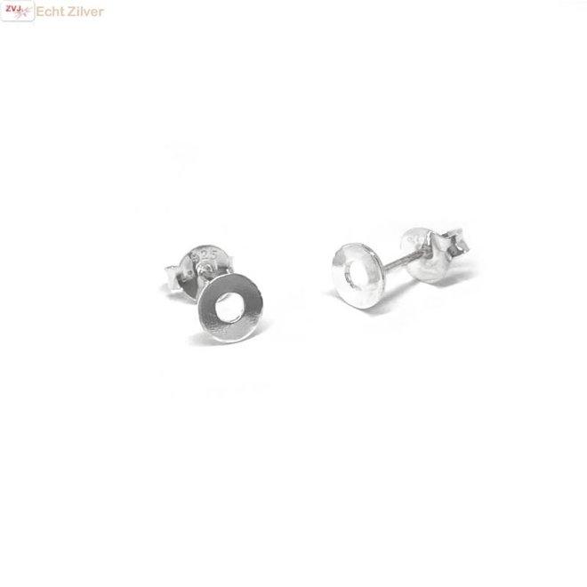 Zilveren mini oorstekers met een open cirkeltje
