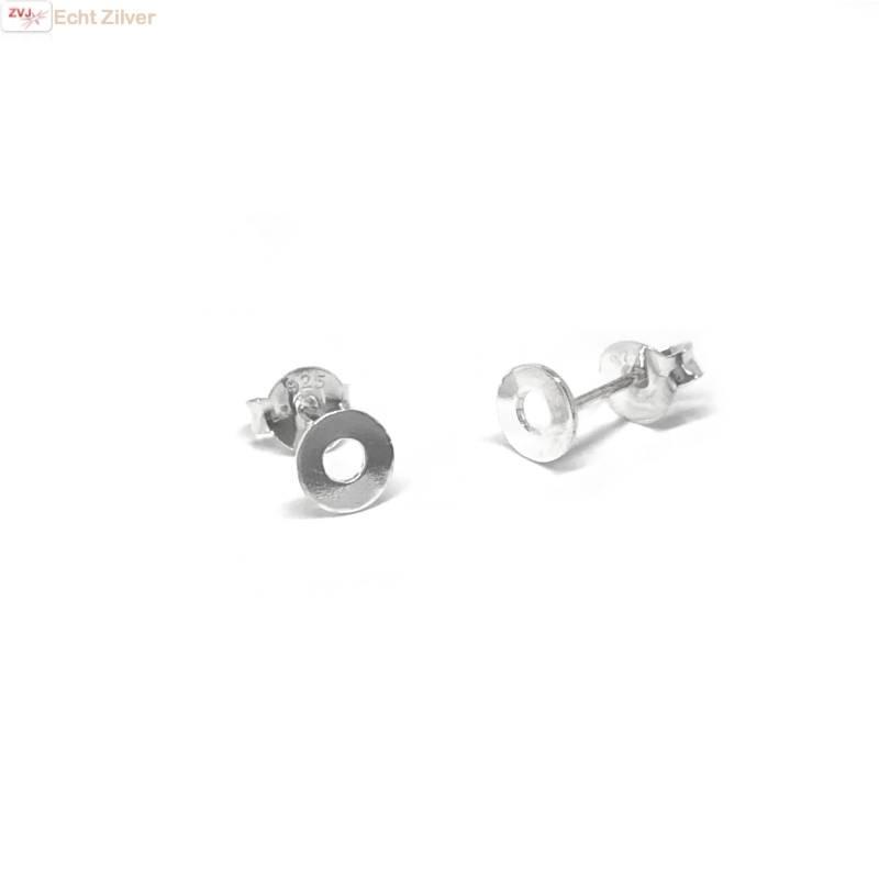 Zilveren mini oorstekers met een open cirkeltje-1