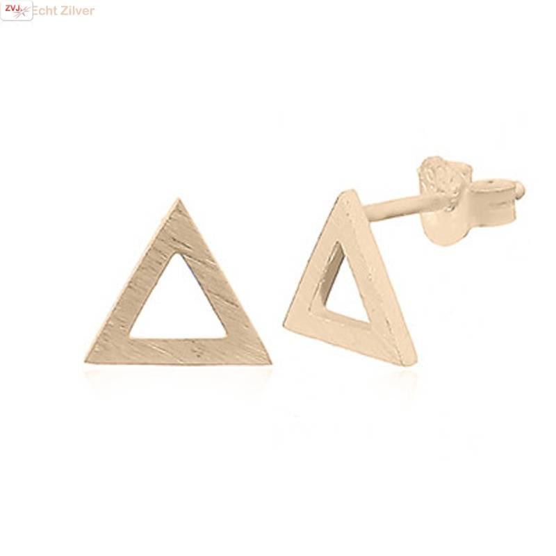 mat goud op zilver open triangel oorstekers-1