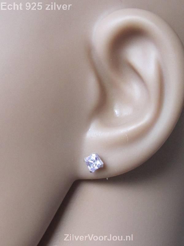 Zilveren kleine vierkante oorstekers wit lila zirkonia-2