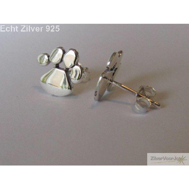 Zilveren oorstekers katten honden pootjes