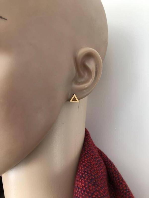 mat goud op zilver open triangel oorstekers-2