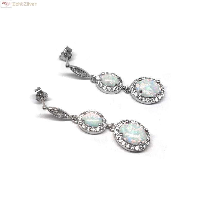 Zilveren elegante witte opaal en zirkoon oorbellen-4