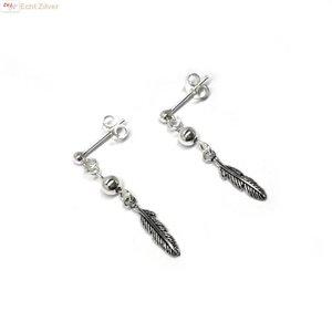ZilverVoorJou Zilveren oorstekers met veer hangertjes