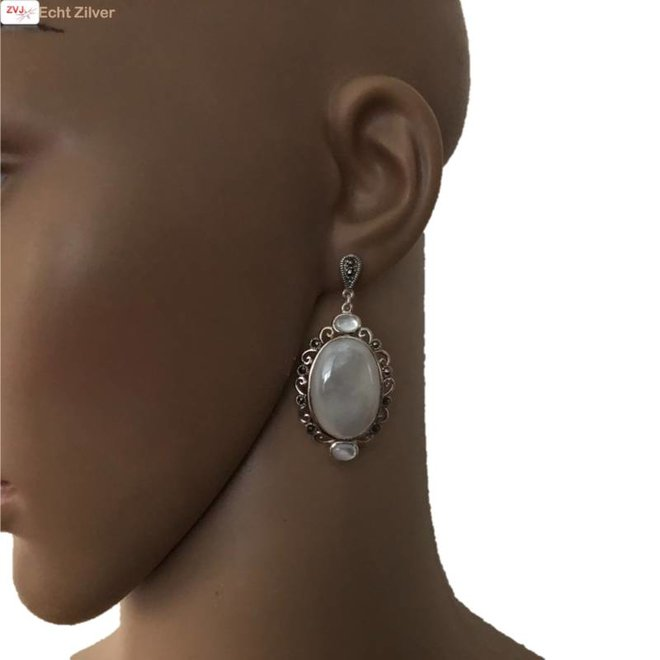 Zilveren grote parelmoer marcasiet klassieke oorhangers
