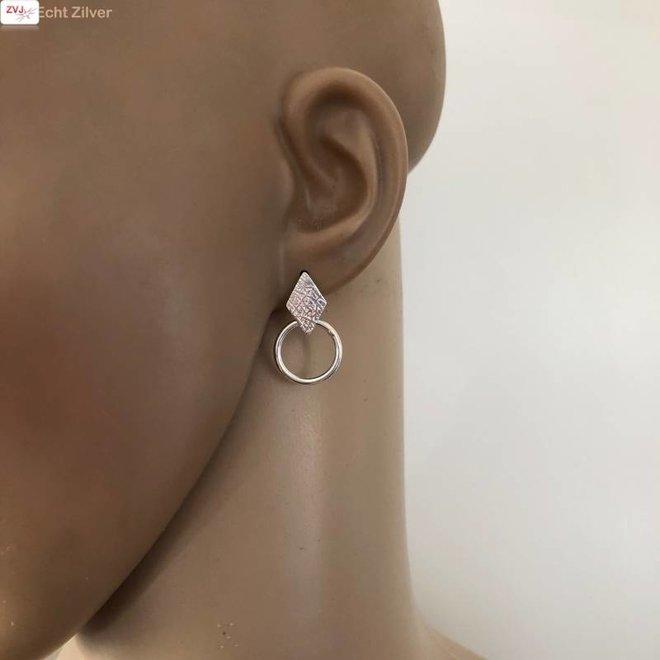 Zilveren moderne ruit met cirkel oorstekers