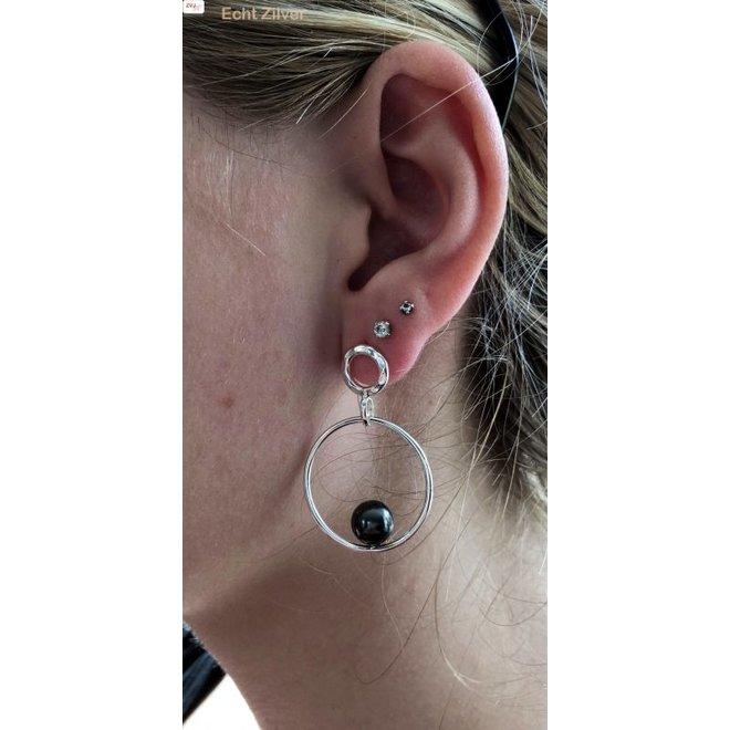 gehamerd Zilveren design oorringen met parel