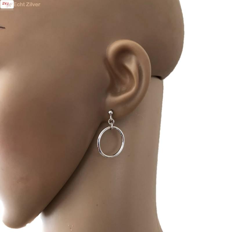 Zilveren oorstekers hangers met cirkel-2