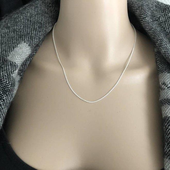 Zilveren ovale kabelketting 45 cm 1.4 mm breed