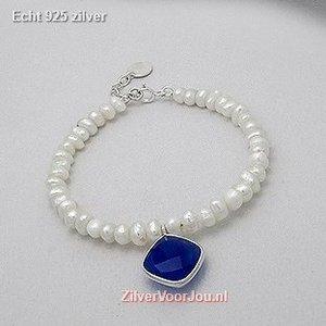 ZilverVoorJou Zilveren armband met zoetwaterparels en blauwe chalcedoon bedel